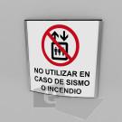 20x20cm / no utilizar en caso de / señal / letrero / protección civil / curvo / fondo blanco